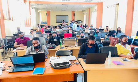 The Club Economique du Kivu introduces students to the use of Stata, SPSS and Latex software